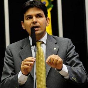 Justiça concede direito de resposta a Victor Mendes